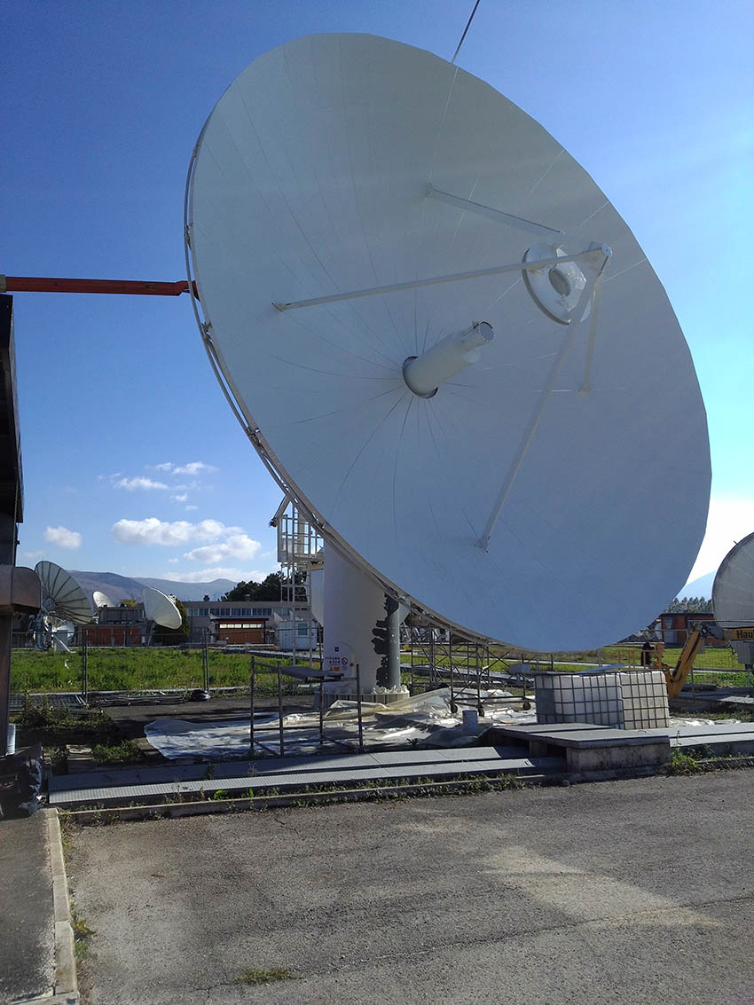 grandi antenne satellitari
